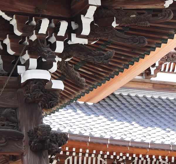 鐘楼堂の龍